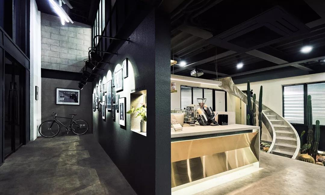 顶尖摄影工作室STUDIO:粗狂工业风和现代简约风的融合
