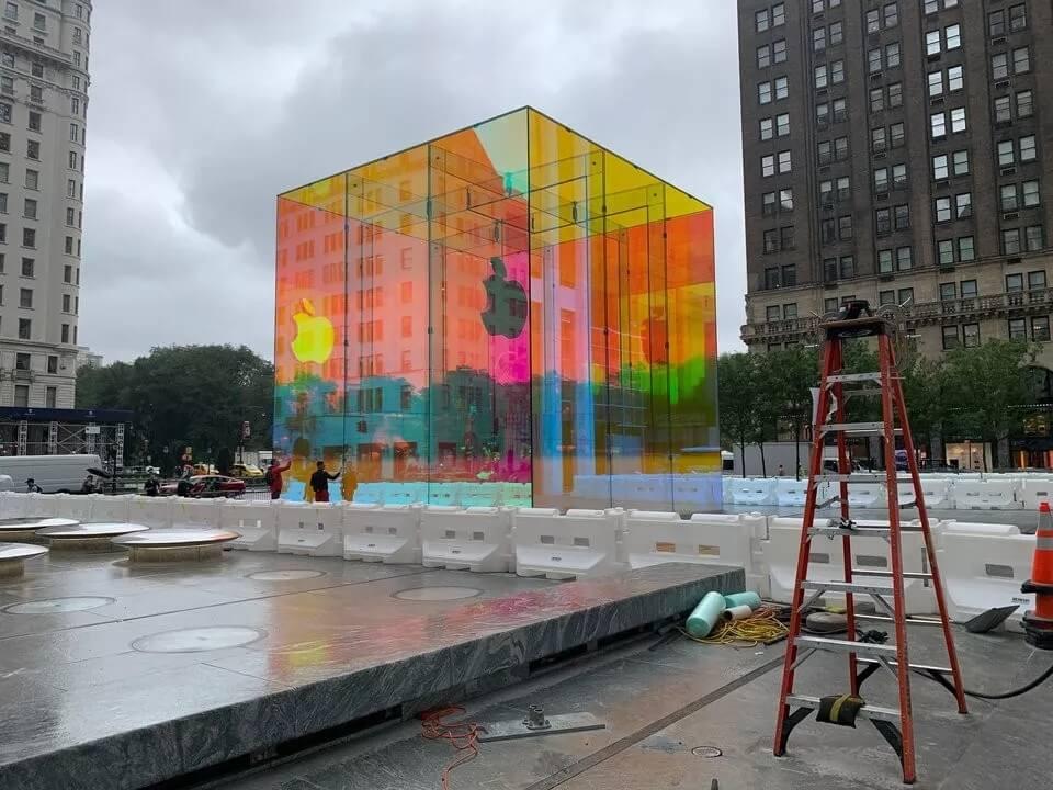 这一次,苹果店让大家「性高潮」了!网友:在纽约大道升起彩虹!